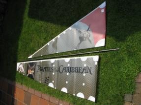 Black Pearl IMG_1826 Die Segel sind mit den Logos versehen und koennen angeschlagen werden