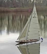 Velsheda IMG_1789_Die Vorsegelsteuerung hakt noch, das Segel kommt nicht auf die Backbordseite
